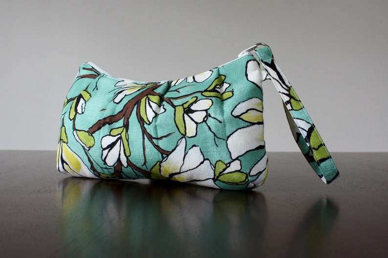 PLEATED WRISTLET in Magnolia Branch Aqua by Michael Miller. image 0