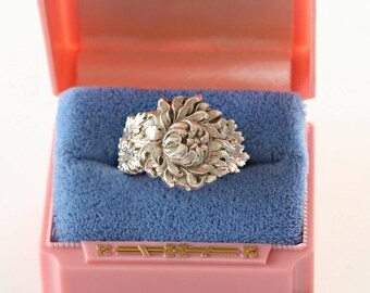 RARE Antique Sterling Silver Ring- Chrysanthemum, 1900