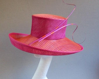 Dutch design sinamay fuchsia and orange derby hat with ton sur ton feathers size 58 or 22,8 inch