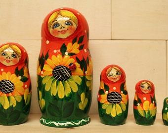 Sale Sale Nesting Dolls Matryoshka nesting dolls with Sunflowers ser of 5