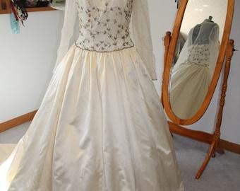 SALE Vintage Wedding Dress Modest Gown 1990s Long-Sleeved Illusion Bodice US 12 Creamy Soft Ivory 100% SILK Satin Reclaimed Demetrios Silver