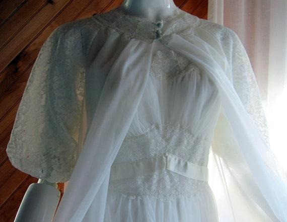 1950s White Bridal Peignoir Set | Vanity Fair Brid