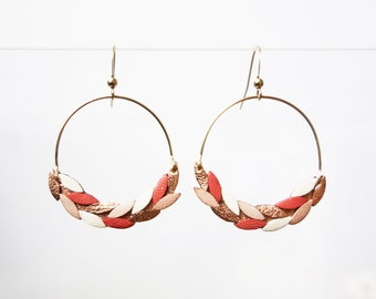 Laurier earrings # 1 - Coral, nude and white