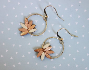 Laurier earrings #2 - Nude and white