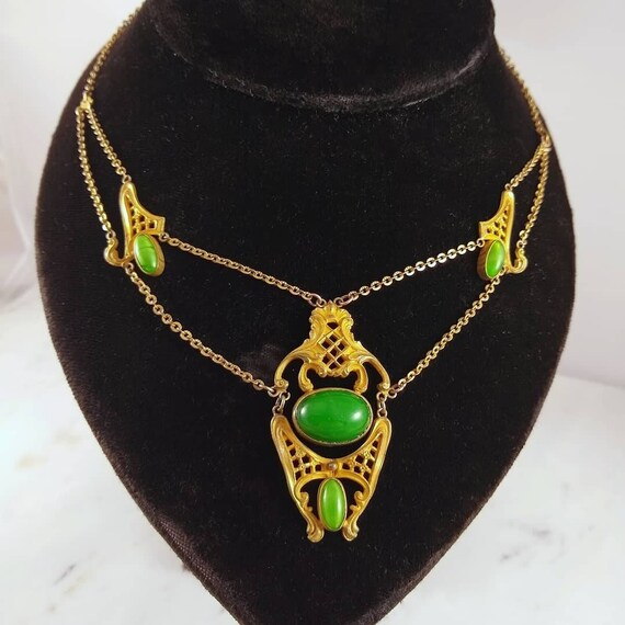 Antique Victorian Green Glass Festoon Necklace