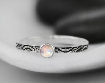 Dainty Rainbow Moonstone Promise Ring - Sterling Silver Art Deco Ring - Unique Moonstone Engagement Ring - Nature-Inspired Leaf Wedding Ring