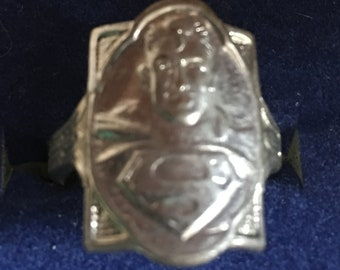 Superman crusader ring in silvertone   VJSE