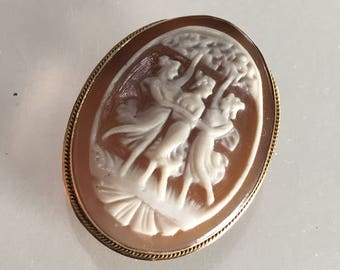14K gold shell cameo of the Three Graces        VJSE