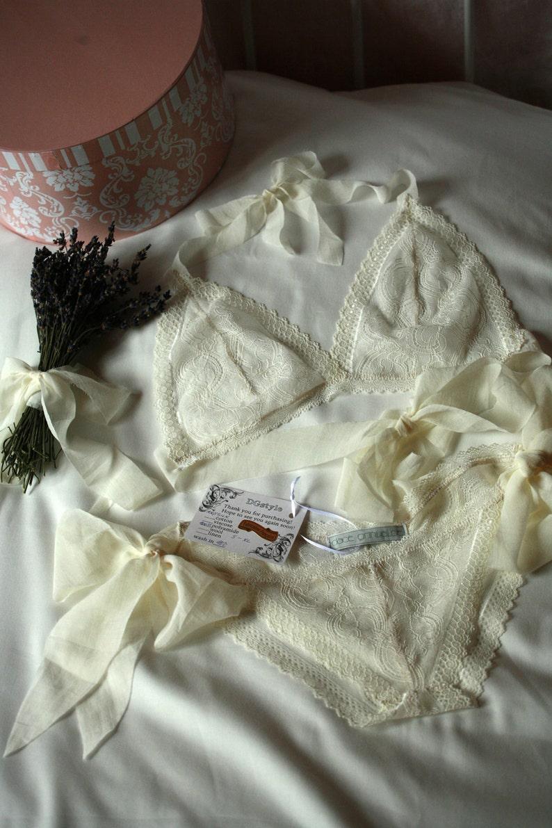 4de896193280 Me deshaga - ropa interior de seda y encaje delicado crema conjunto,  conjunto de lencería de boda, tamaño ajustable