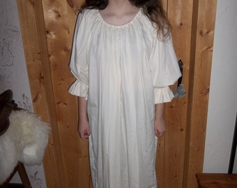 Off white chemise in cotton poly with 3/4 sleeves