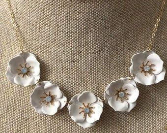 White necklace, Wedding necklace, flower necklace, white necklace, bhldn, statement wedding necklace, white wedding necklace, necklace