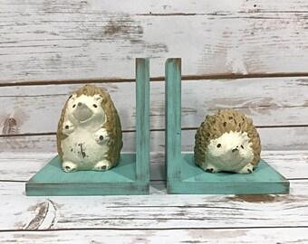 Hedgehog Bookends//Woodland Creatures Decor//Hedgehog Figurines Book Ends//Shabby Chic Farmhouse//Woodland Nursery//Housewarming Gift