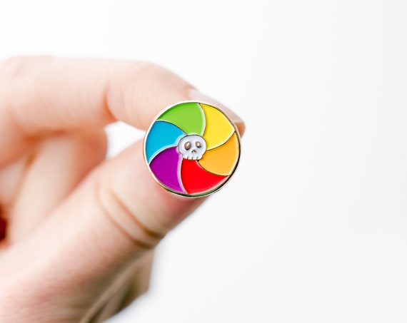 NEW** Spinning Rainbow Beach Ball of Death Spinner Enamel / Lapel Pin