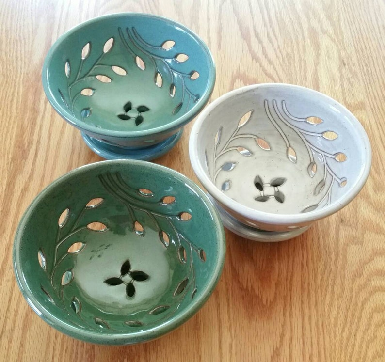 Grapes Bowl Turquoise, Green or White FREE Pottery GIFT with Order! Berry Bowl with Dish Fast shipping Wheel-turned Colander