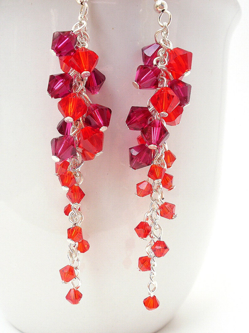 baa9cc842c23 Pendientes de cristal de Swarovski rojo largo rojo