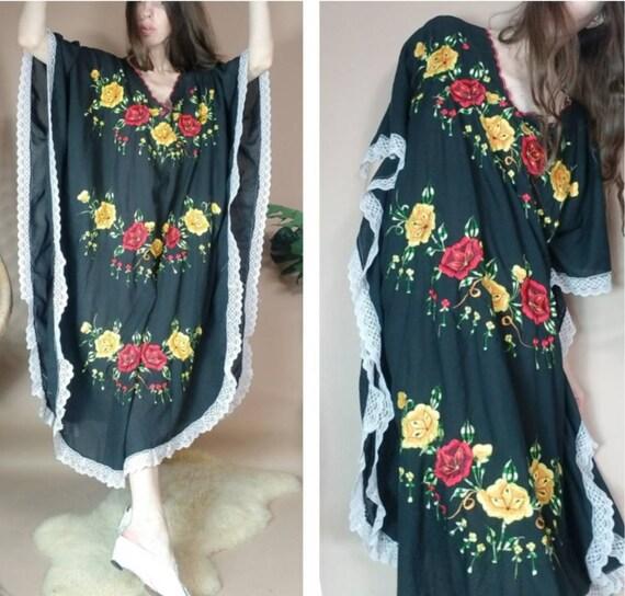 Vintage 80s Mexican Embroidered Muumuu Caftan Dres