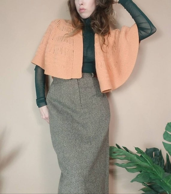 Vintage 60s 70s Peach Knit Cape Hand Loomed Knit