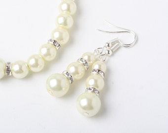 Ivory Bridal Pearl earrings, Ivory Bridesmaid earrings, Ivory wedding earrings, wedding jewelry, Ivory bridemaid gift, Maid of honor gift