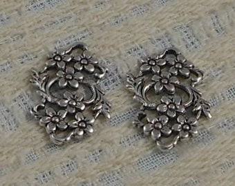 Small Antique Silver Filigree Floral Connector (Qty 2) G-5975-S