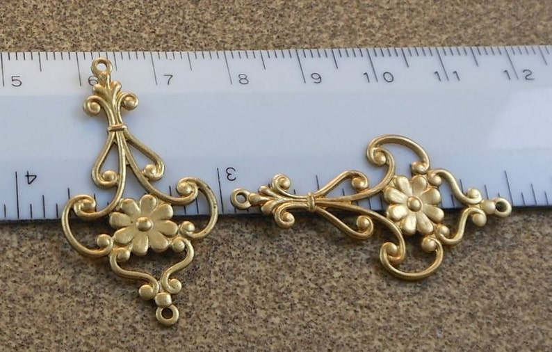 1 pc LuxeOrnaments Oxidized Brass Filigree Flower 2 Ring Pendant 37x21mm G-06831-B