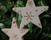 4 Personalised Christmas tree decorations, chunky wooden Christmas holiday stars with pyrography engraved snowflakes