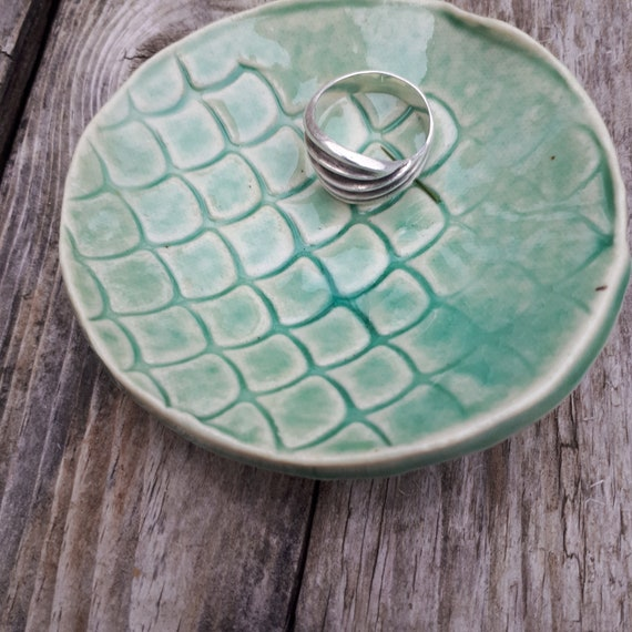 Pottery  spoon rest bowl in modern shell pattern turquoise azure 3 inches across for foodies home decor kitchen decor