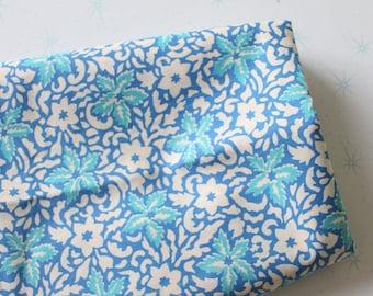 garden sewing blue red retro supply pink mod atomic Vintage FLOWER GARDEN FABRIC....vintage supplies retro vintage fabric crafts