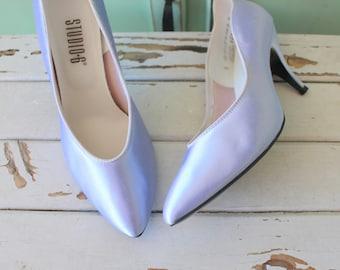 82b0ab457fc4 Vintage PURPLE SATIN Heels..size 7 womens..pumps. shoes. heels. wedding.  glam. ballet heels. fancy. classics. periwinkle. strappy heels