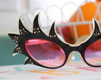 51a0ac6bc3 1940s 1950s Cat Eye Sunglasses...vintage. elton john. fancy. costume. 1960s  accessories. glitter. twiggy. designer. 1950s. rare. gaga. gogo