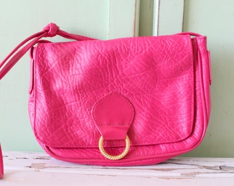Vintage PRETTY IN PINK Leather Purse..retro. clutch. pink purse. spring.  summer. folk. twiggy. mod. bright. fushia deep pink. mod. designer 515734bb9bc17