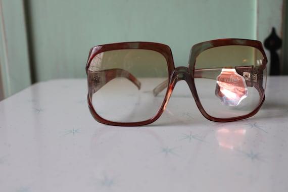 1970s MOD GIRL Sunglasses..twiggy. womens eyewear… - image 2