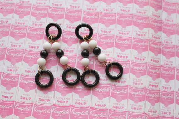 indie rocker 1980s HEART Black and White Earrings..costume dangly heart sexy geometric rad bright punk hip killer 80s 1980s glam