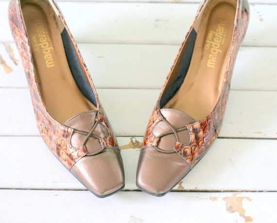 1960s MAGDESIANS Heels....size 9 women...leather.