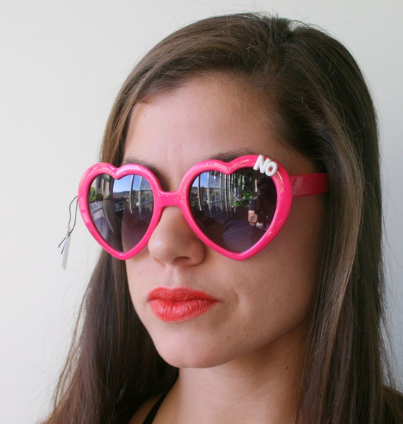 d5db913c603001 AUCUN NO NO coeur lunettes... mon nom est. hipster. kitsch.   Etsy