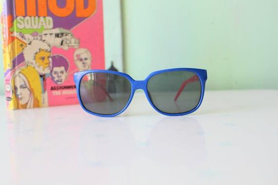Vintage BLUE and RED Korea Sunglasses....womens e… - image 1