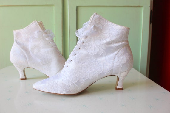 1980s WHITE LACE Witch Boots...size 9 womens...go… - image 1