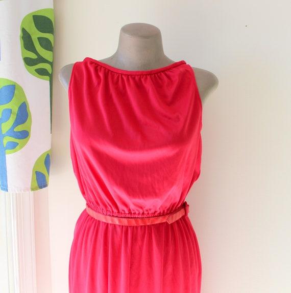 Vintage MOD GIRL Dress....60s dress. 70s dress. gr