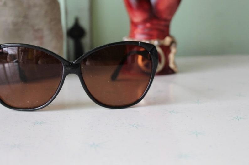 Vintage Taiwan ROC Sunglasses...rare. womens eyewear.twiggy. 1970s accessories. woodstock. hippie. designer glasses. hipster. urban. mod