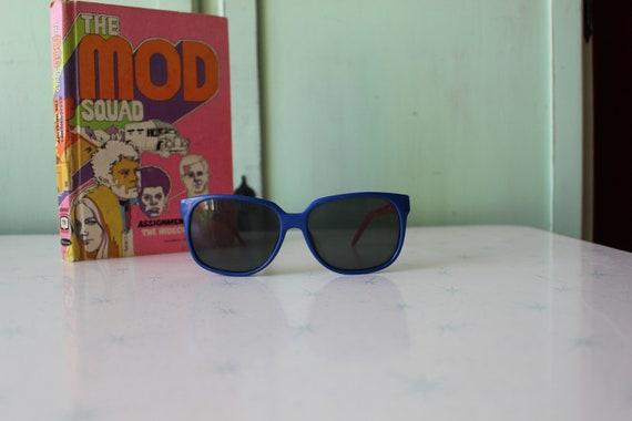 Vintage BLUE and RED Korea Sunglasses....womens e… - image 2