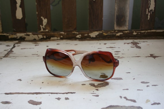 1970s HELLO LOVER Sunglasses..twiggy. womens eyew… - image 2