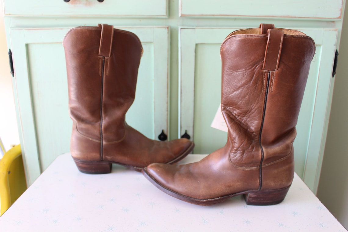 Vintage COWBOY Boots....texas. cowboy. country. western. urban. vintage boots. mens. hipster. calf length. cowboy. western. indie. brown