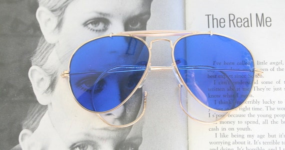 1980s AVIATOR Sunglasses. aviator. blue. tint. ret