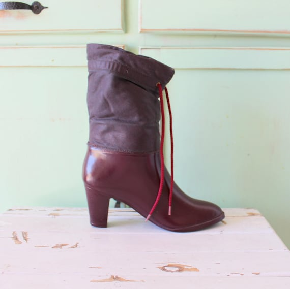 1970s CRANBERRY RAIN Boots...size 6 womens... snow