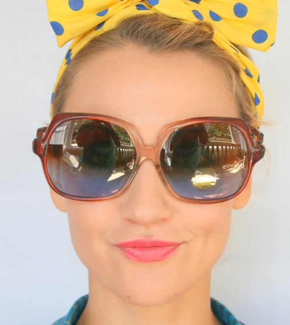 1970s RETRO MOD Sunglasses..twiggy. womens eyewea… - image 1