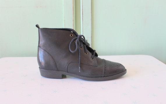 Vintage INDIE Mod Designer Boots...size 6 womens..