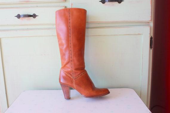 Vintage MOD GIRL Designer Boots....size 8 womens..