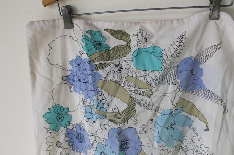atomic 1960s retro vintage bedding bedroom tulip Vintage Blue Floral PILLOW CASE.....1970s disco floral home decor housewares