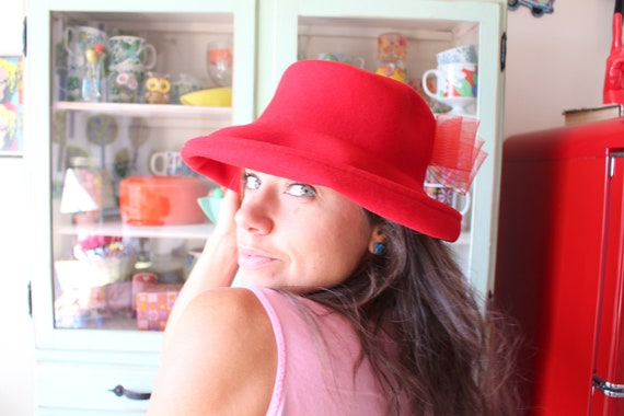 1980s Cherry Red Bow Hat...vintage hat. church. gr