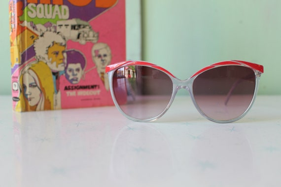 Vintage Made in Taiwan ROC Red Sunglasses...NOS. … - image 3