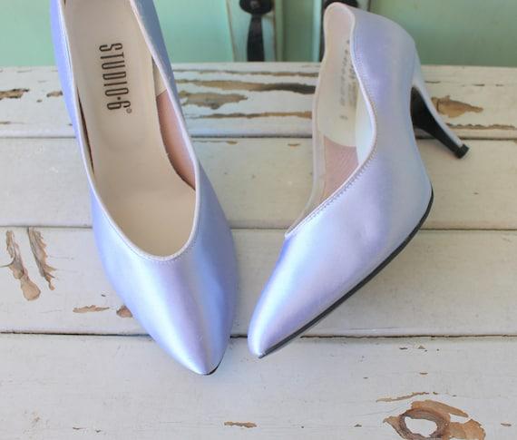 d278d93a542 Vintage PURPLE SATIN Heels..size 7 womens..pumps. shoes.